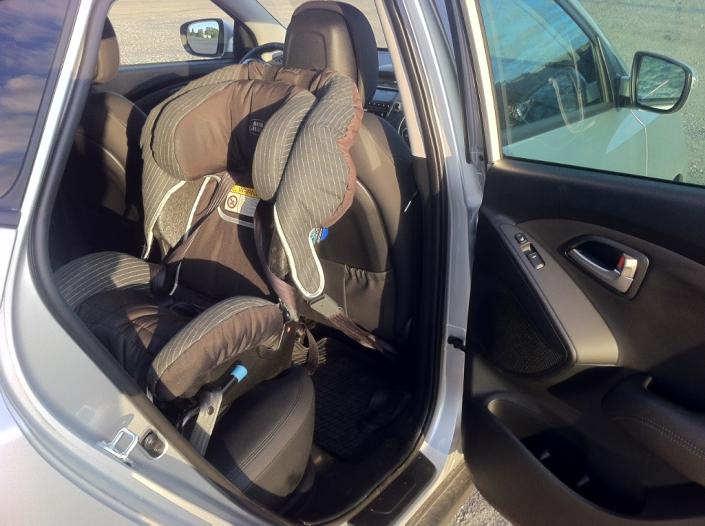 Bilbarnstol monterad i en Hyundai ix35