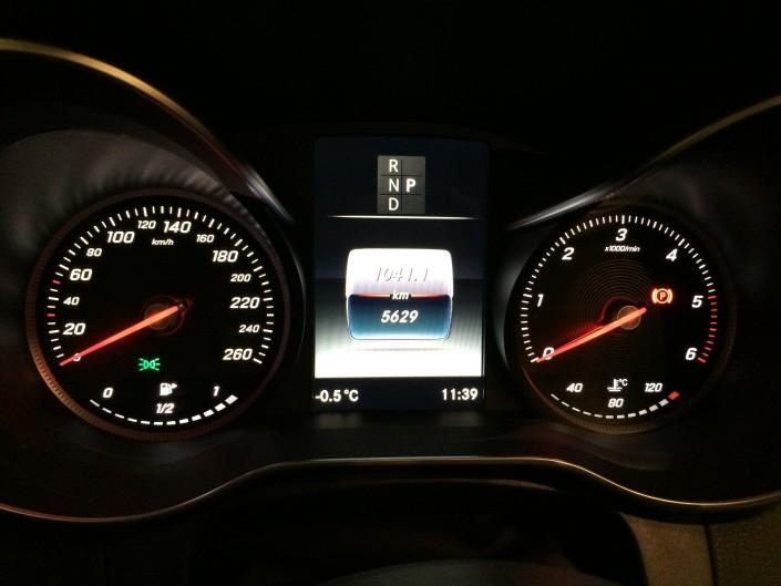 Mercedes GLC mätare