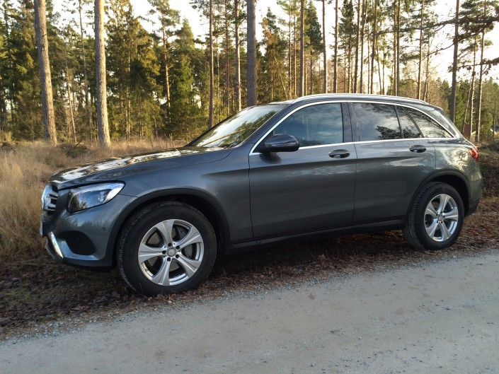 Mercedes GLC från sidan