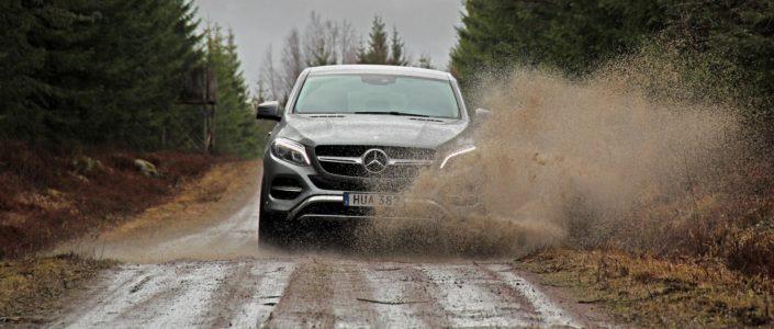 Mercedes-Benz GLE 400 Coupé - Water Splash - SUVTEST.se